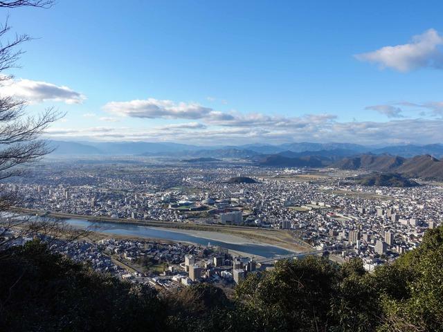 登山道から岐阜市街を望む_edit