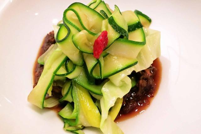 4種の野菜のパスタ仕立て 牛スジ肉のラグーソース 3_edit
