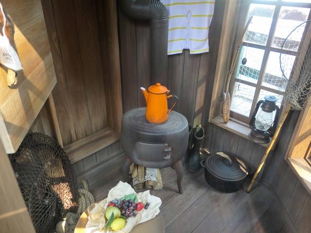 水浴び小屋 3_edit