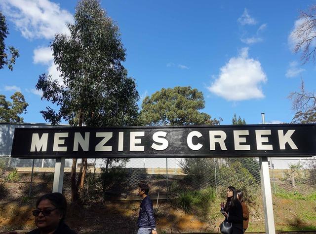 Menzies Creek 駅 1_edit