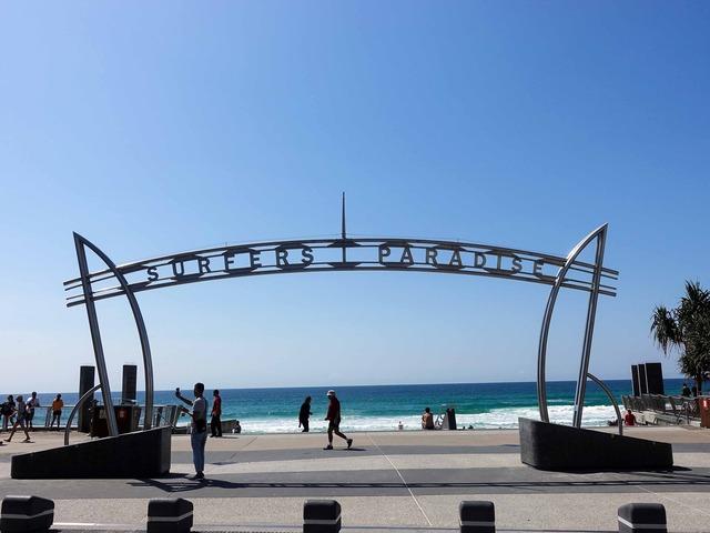Surfers Paradise Beach 12_edit