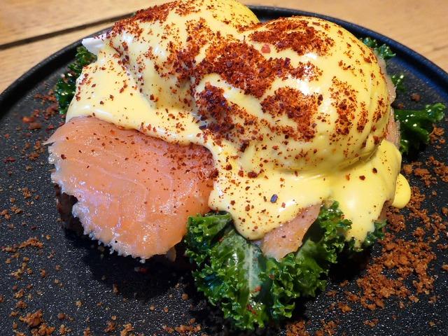 brioche benedict (salmon) 2_edit