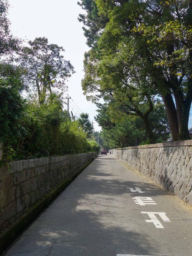 石垣の道 2_edit