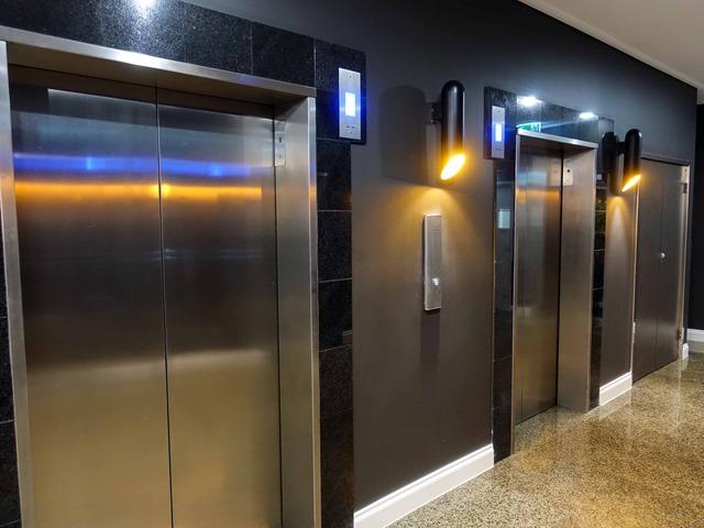エレベーターホール 1_edit