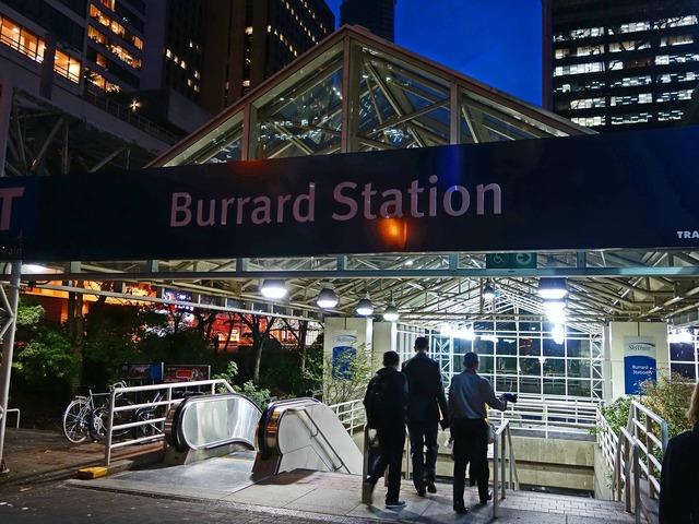 Burrard 駅_edit