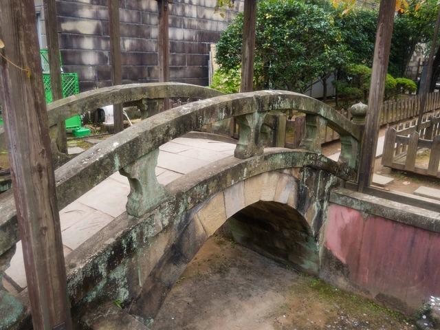 キャピタン橋と葡萄棚 5_edit