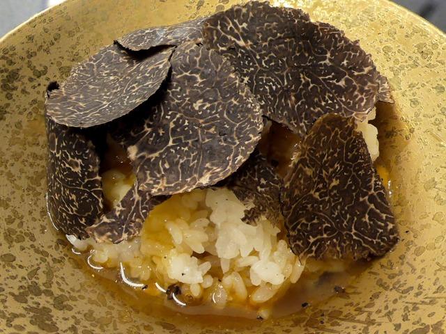 黒トリュフ卵かけご飯 1_edit