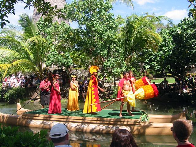 Polynesian Cultural Center・カヌー・ページェント 1_edit