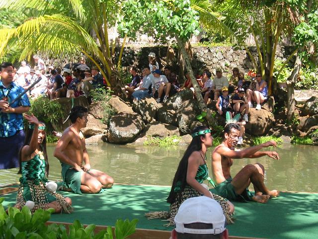 Polynesian Cultural Center・カヌー・ページェント 2_edit
