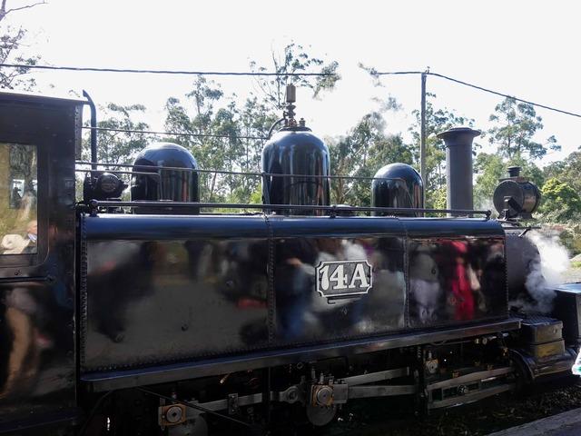 機関車(Menzies Creek 駅) 4_edit