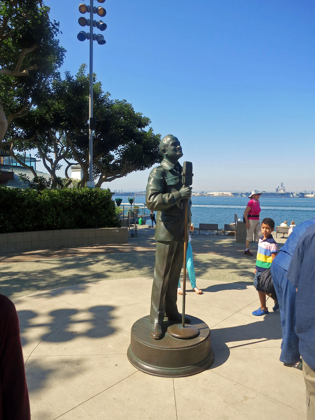 Bob Hope and the Military 3_edit