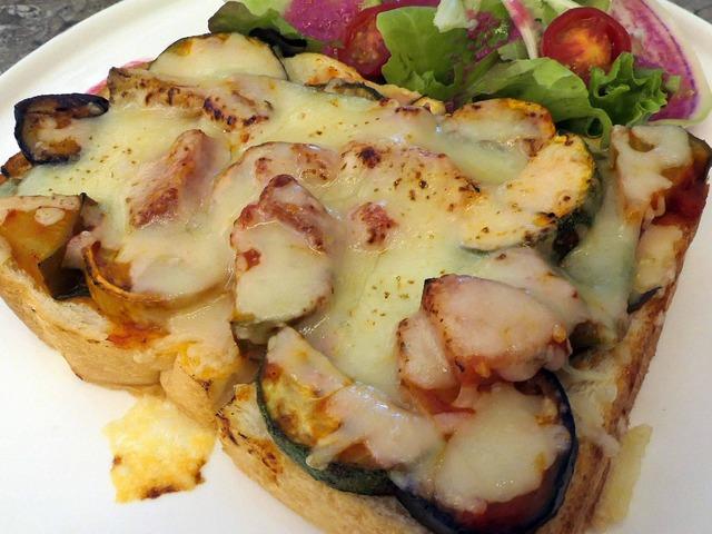 無農薬野菜のピザトースト 2_edit