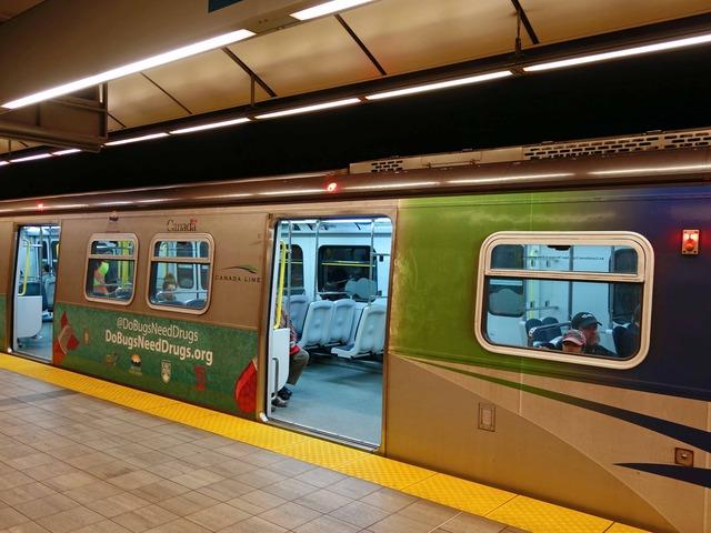 Vancouver City Centre 駅 20_edit