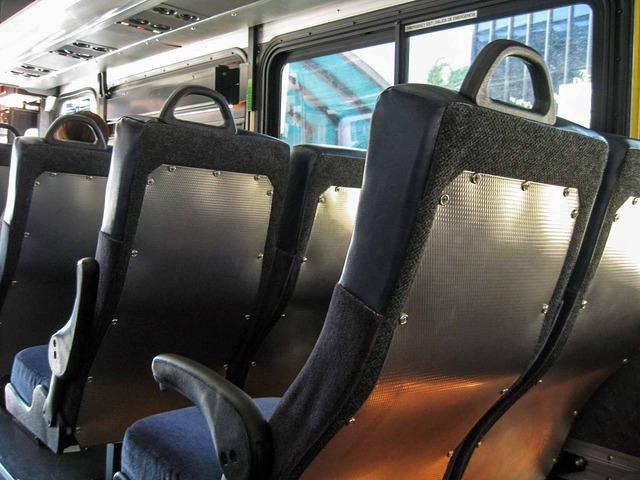 Golden Gate Transit バス車内_edit