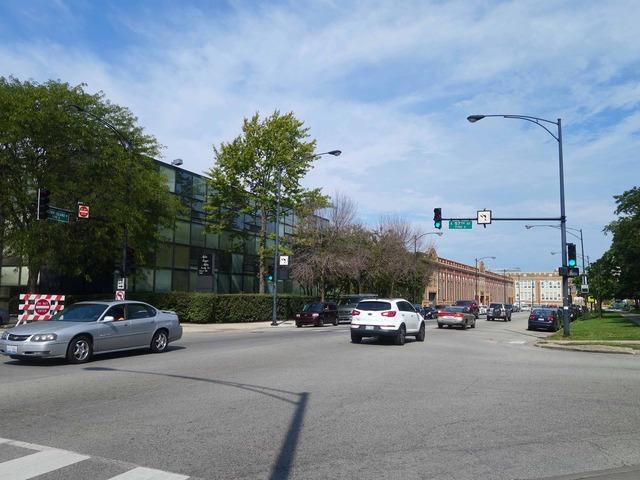 Stony Island Ave と 57th St の交差点 3_edit