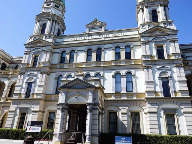 Institute Building 4_edit