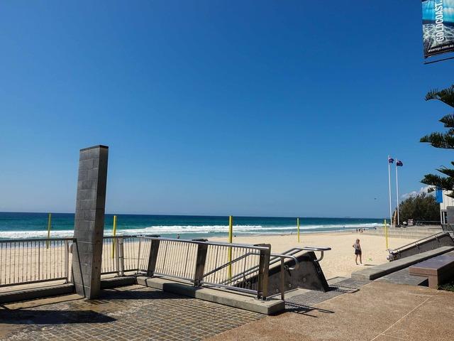 Surfers Paradise Beach 4_edit