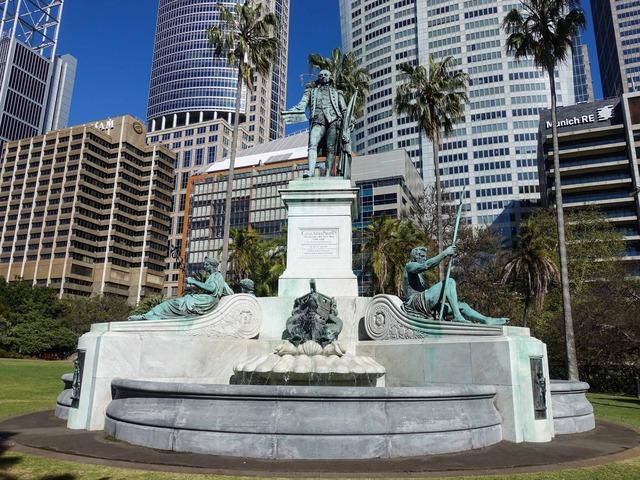 Governor Phillip Fountain 3_edit