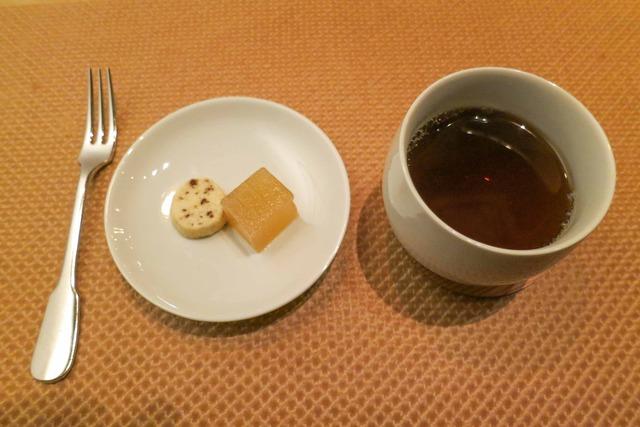 小菓子&ほうじ茶 2_edit