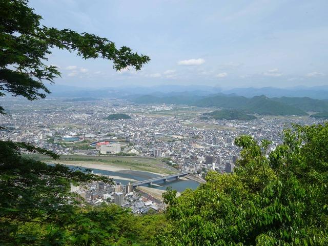 登山道から岐阜市街を望む 4_edit