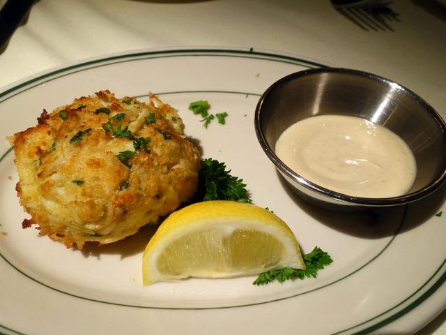 Colossal Lump Crab Cake 2_edit