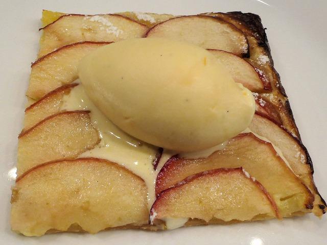 紅玉リンゴの薄焼きパイ,バニラアイス 3_edit