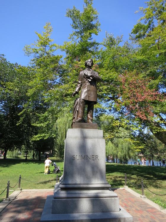 Public Garden 内の Charles Sumner 像