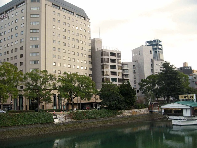 平和大橋から見た元安川 2_edit