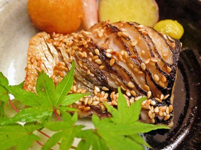 松茸の牛肉巻きとカマスの炭火焼き 6_edit