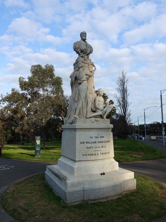 Sir William John Clarke Memorial_edit