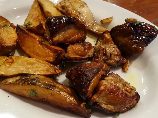 イタリア産サマーポルチーニとジャガイモの鉄板焼き 2_edit