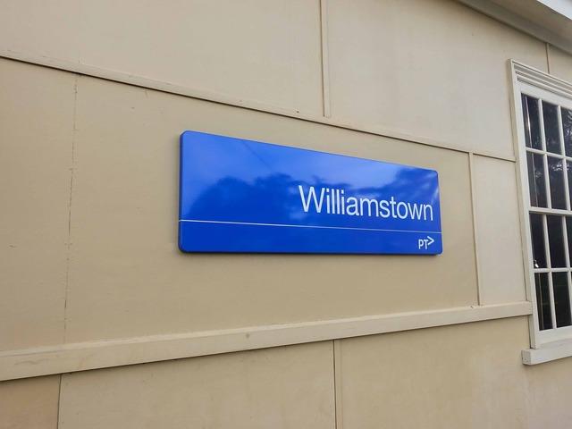 Williamstown 駅 4_edit