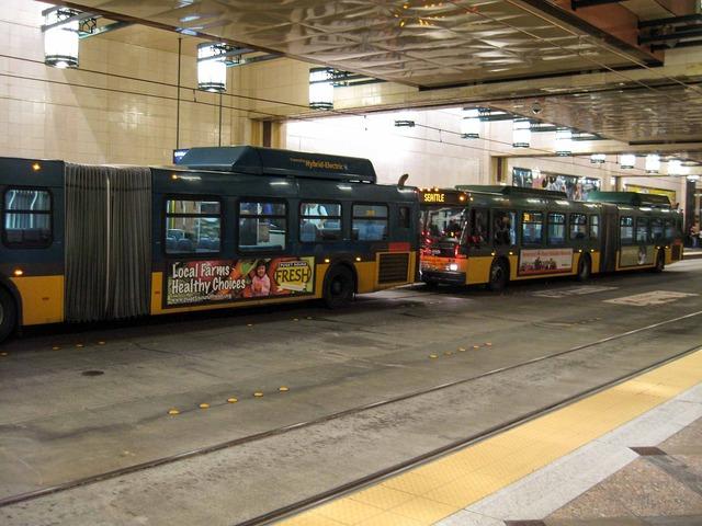 トンネルバス 1_edit