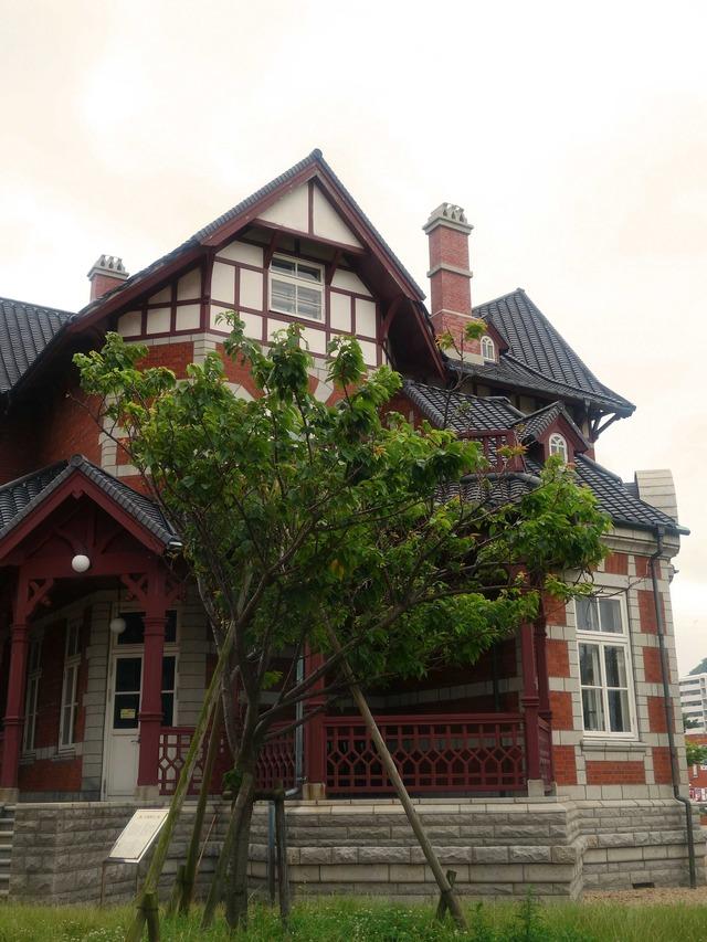 北九州市立国際友好記念図書館 7_edit