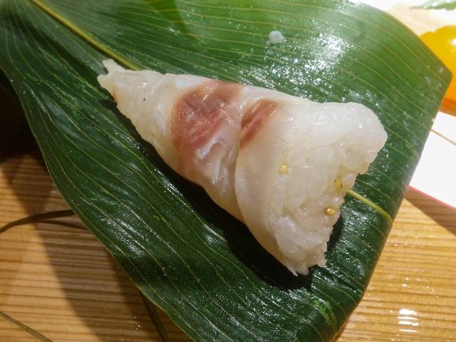 八寸(鯛の笹寿司) 1_edit