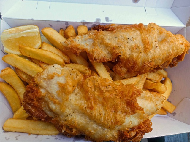 Deep Fried Fish with Chips 2_edit