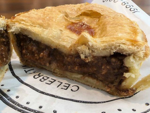 Aussie Beef Pie 4_edit
