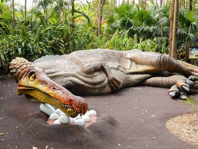 スピノサウルスのオブジェ 4_edit