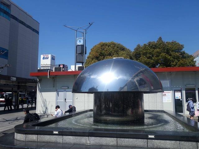 JR 広島駅前の噴水 2_edit