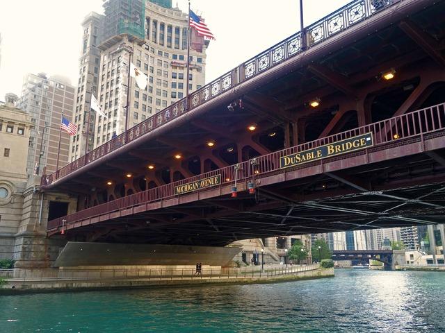 Michigan Ave Bridge 周辺 3_edit