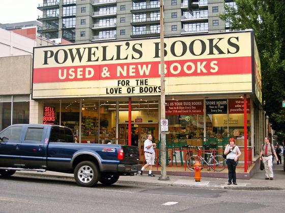 Powell's Books_edit 2