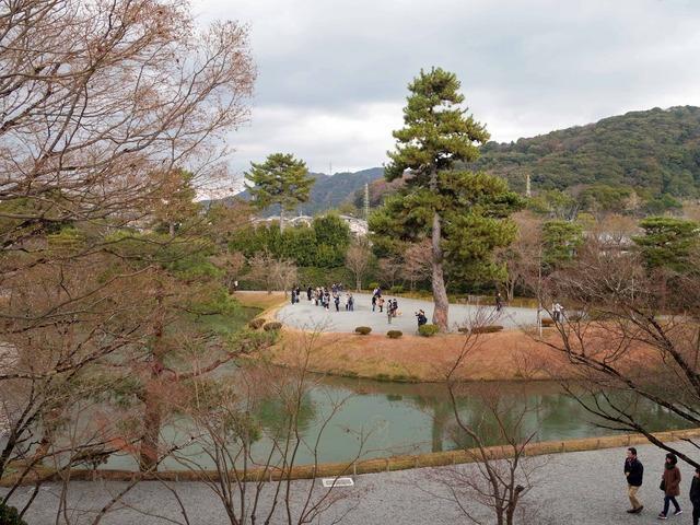 鐘楼から平等院庭園を望む 1_edit