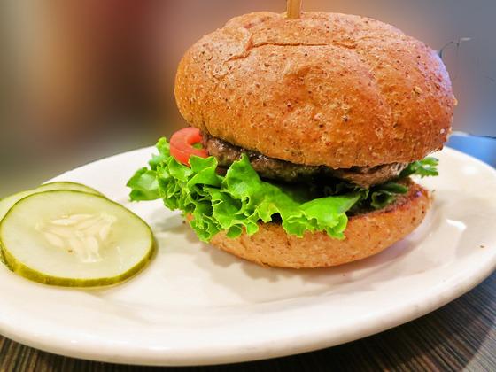 Grass-Fed Beef Burger 4_edit