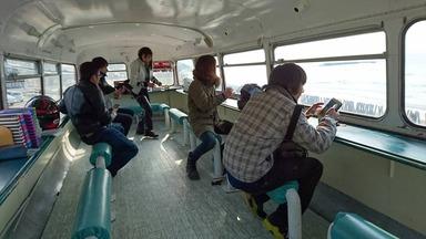 ロンドンバスなか