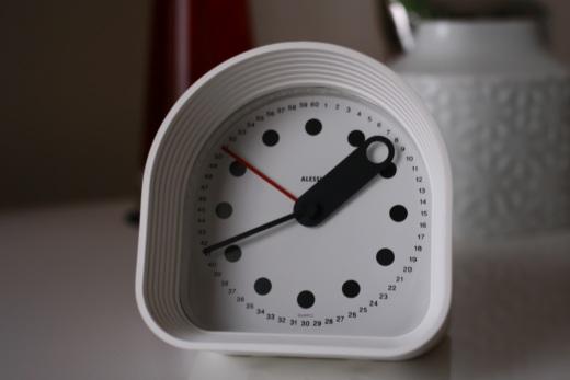 アレッシイ 時計