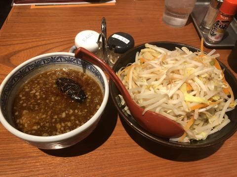 濃厚魚介味噌つけ麺は竹達彩奈考案メニュー