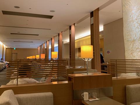 成田空港1 - 6