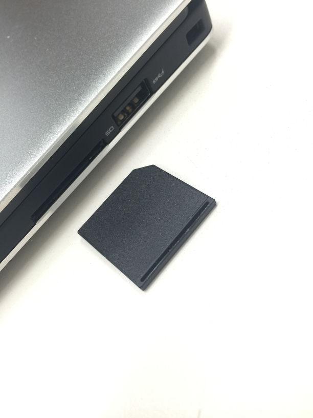 47868de422 XPS 13 Graphic Pro プラチナにMacbook Air用のmicroSDカードアダプター ...