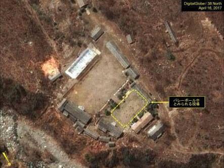 彡(^)(^)「北朝鮮の核施設でな、バレーボールやっとんねん」父「
