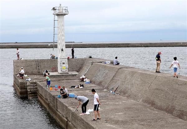 釣り人を突堤から突き落としていた中学生4人捕まる…「溺れる顔を見て楽しもうと思った」などと供述